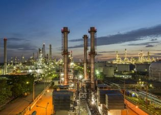 Aramco to spend $100bn on refining and chemicals projects